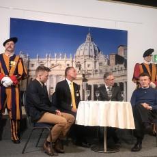 Gardist Mauritz von Sury, Moderator Meinrad Stöcklin, Landratspräsident Peter Riebli und Ausstellungsberater Rodolfo Koletzko