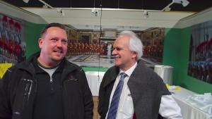 Steffen Böhme von Mercedes mit Kurator Heinz Simonet